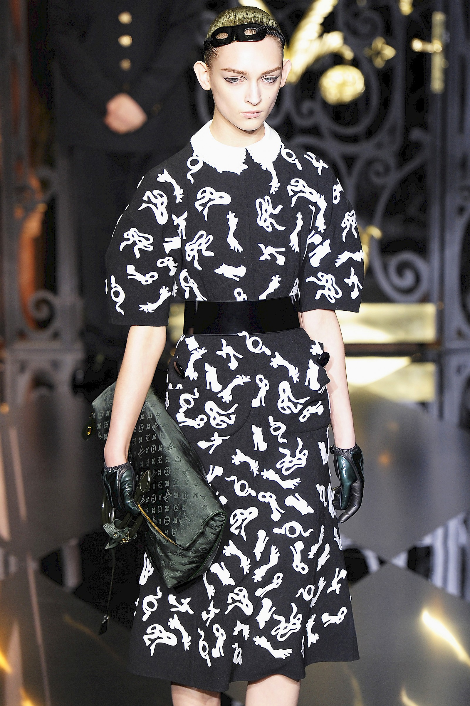 Image - Laser developments for Louis Vuitton Fall 2011 Ready-to-Wear