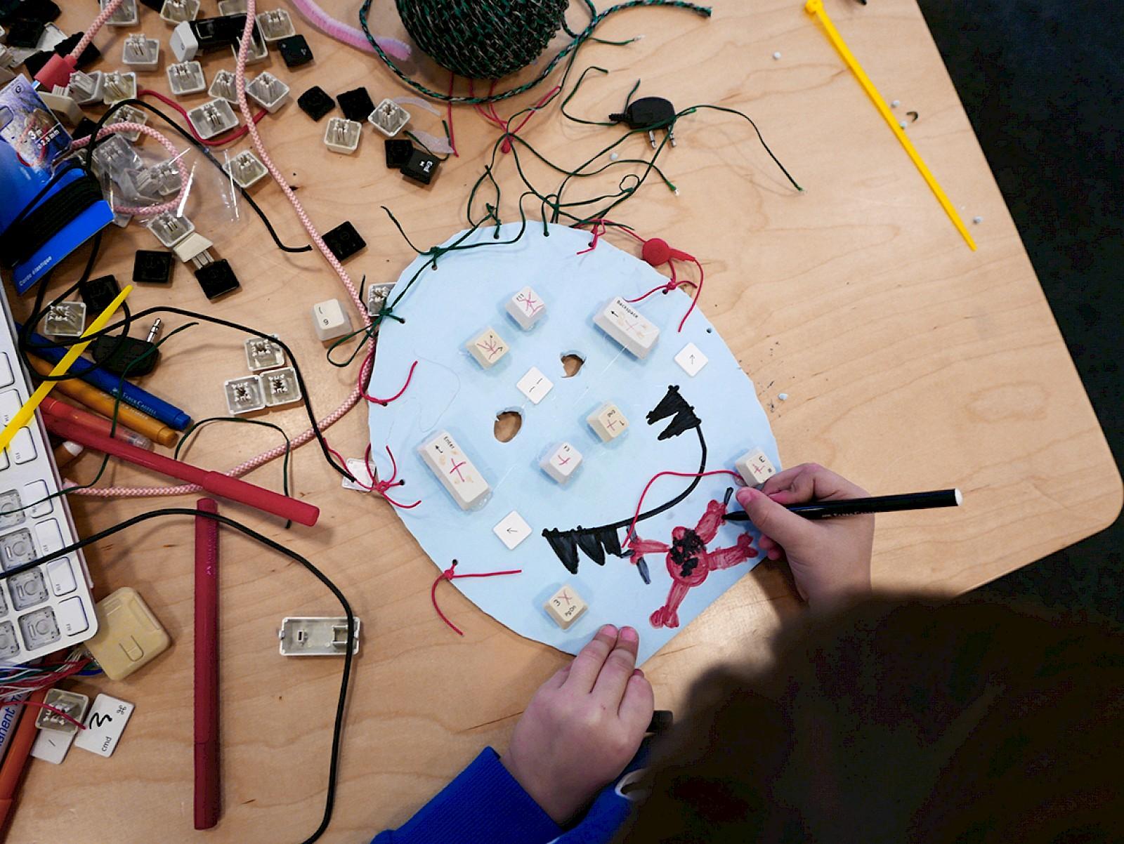 Image - Workshop Tentacules électriques at Bibliothèques Municipales de la Ville de Genève, CH